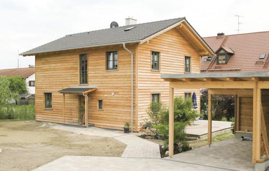 Holzhäuser, Carports